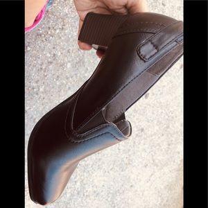 Life stride soft system high heel shoes
